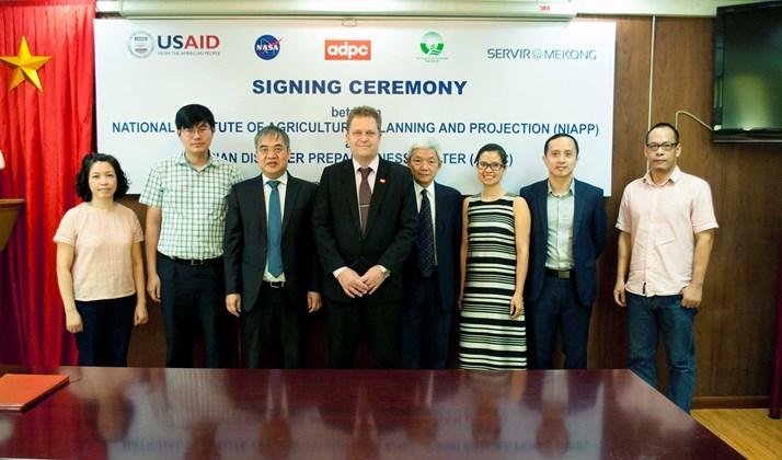 Lễ ký Biên bản ghi nhớ hợp tác giữa NIAPP và ADPC