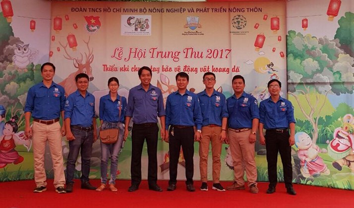 Đoàn thanh niên Viện tuyên truyền chung tay bảo vệ động vật hoang dã nhân dịp Tết trung thu